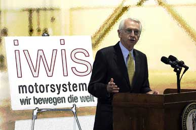 Kentucky Govenor Steve Beshear speaks at the announcement of iwis